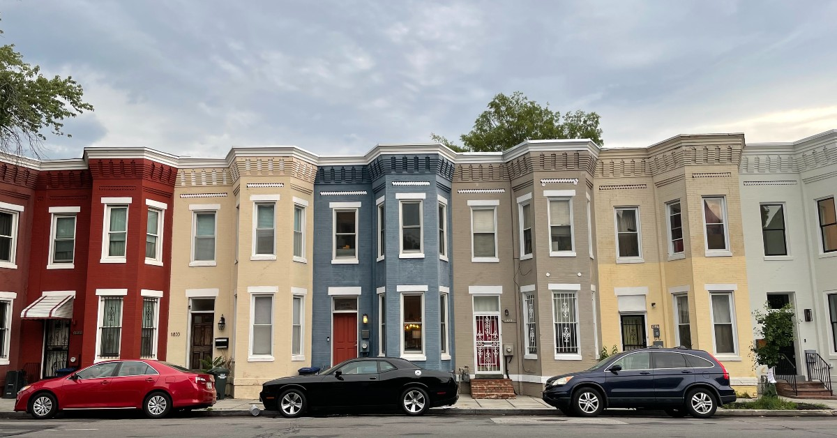 row of DC townhomes painted different colors